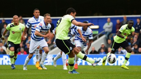 LONDON, ENGLAND - MAY 12:  Hatem Ben Arfa of Newcastle United scores their first goal from the penalty spot during the Barclays Premier League match between Queens Park Rangers and Newcastle United at Loftus Road on May 12, 2013 in London, England.  (Photo by Shaun Botterill/Getty Images)